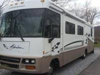 : '98 Winnebago Adventurer 35 WP Single super slide