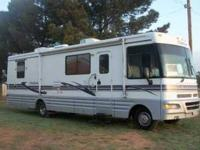 1998 Winnebago Chieftain Class A This amazing 33 foot