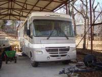 1998 Fleetwood Flair This Class A recreational vehicle