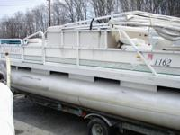 1998 PartiKraft Pontoon 40HP 2 Stroke mercury motor.