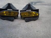 Amber fog lights for a Mustang  Txt 620-482-4 seven 6