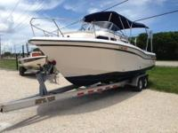 Equipment & Features This 1999 24' Grady White 248