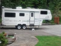 We have a 1999 25' foot Kustom Koach fifth wheel to