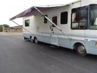 Type of RV: Class A Year: 1999 Make: National Model: