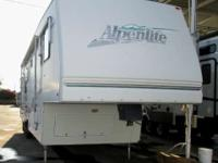 1999 Alpenlite HILLCREST 32RK 1999 HILLCREST 32RK FIFTH