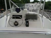 1999 ANGLER 204 W/ 2001 140HP SUZUKI FUEL INJECTION AND