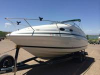 1999 Chris Craft 240 Cabin Cruiser - 5.7 L Volvo Penta