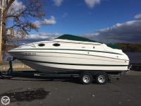 This 1999 Chris-Craft 240 Express Cruiser is sure to