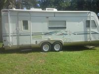 25' Camper, sleeps 4 comfortably (can sleep up to 6 per