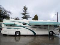1999 Country Coach Intrigue 40 CDSG Diesel Pusher with