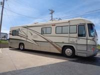 1999 Country Coach Motor Home 36 Magna For sale for