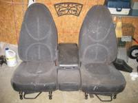 1999 Dakota front seat w/console. Set is in exceptional