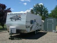 1999 Damon Intruder Class A This amazing 35 foot RV has
