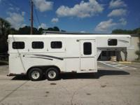1999 Diamond D 3 horse slant load with a tack room that