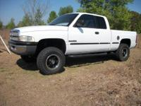 I'm selling a 1999 Dodge 1500 Quad Cab 4x4 with 135K
