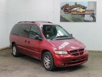Options Included: N/A1999 DODGE Caravan 4dr Grand SE