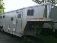 1999 Featherlite 3Horse slant load with full living