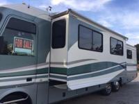 1999 Fleetwood Pace Arrow 36Z For Sale in Newberry,