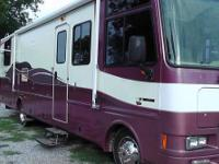 1999 Southwind Class A Motorhome 32ft, 49,000 miles,
