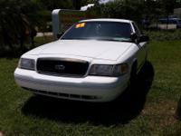 1999 White Ford Crown Victoria $3250 Automatic 4-doors