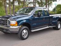 1999 Ford F350 Super Duty XLT Super Cab Dually Four