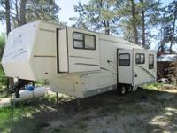1999 Forest River Cardinal M29RLT 5th Wheel. 29 Feet in
