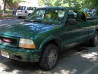 1999 GMC Sonoma SLS extended cab pickup truck. 4.3 L