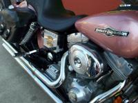 Motorcycles Dyna. We add the clean traditional