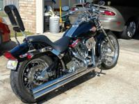 1999 Harley Davidson FXST Softtail. This bike has lots