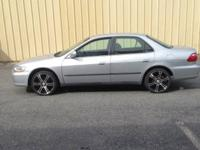 Good daylly drive car w/ 233xxx rims good tires manual