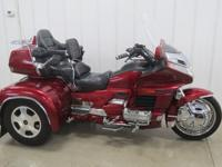 Nice and beautiful looking 1998 Honda gl1500 trike with