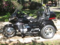 Absolutely amazing 1999 HONDA GOLDWING in excellent