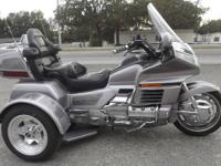 1999 HONDA GOLDWING TRIKE ONLY 35,000 MILES ON IT RUNS