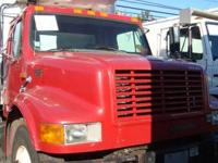 1999 International 4900 22' Reefer Truck Thermo King