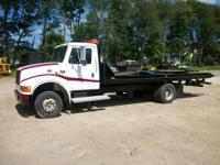 1999 International Flat Bed 4700 Series Car Carrier