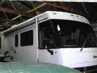 This 1999 Itasca Sunrise 32T is in Excellent Condition,