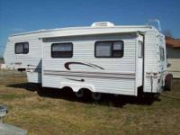 1999 Jayco Eagle 5th Wheel Sleeps 6 Smoke free interior