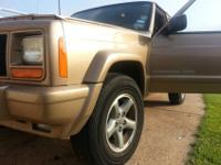 1999 Jeep Cherokee ClassicThis truck is rugged and