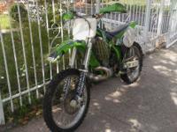 Im selling my kawasaki dirtbike kx250r bikes is a beast