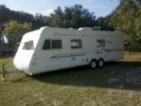 1999 Keystone Cougar This 5th wheel is self contained