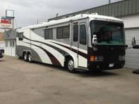 1999 Monaco Signature Series motor home, Top of the