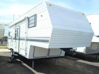 1999 Nomad 2655 5th Wheel w/Slide-Out, Exceptionally