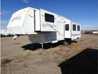 1999 Nu Wa Snowbird SE M32RKBG 5th Wheel. 32 RLBG This