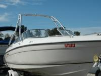 This Regal 23 is powered by a 5.7 L, 260 HP Mercruiser