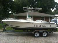1999 Robalo 2120 T-top Center Console, 2001 150hp