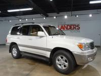 4WD LAND CRUISER!  Alloy wheels, Automatic temperature