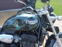 Triumph Legend TT 900 (883 triple) (Blacked out