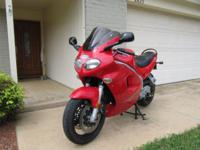 This 1999 Triumph Sprint ST Motorcycle, 955 ccm engine,