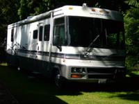 1999 Winnebago Adventurer M-38. 1999 Winnebago