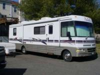 1999 Winnebago Chieftain WFL33B Class A This exquisite